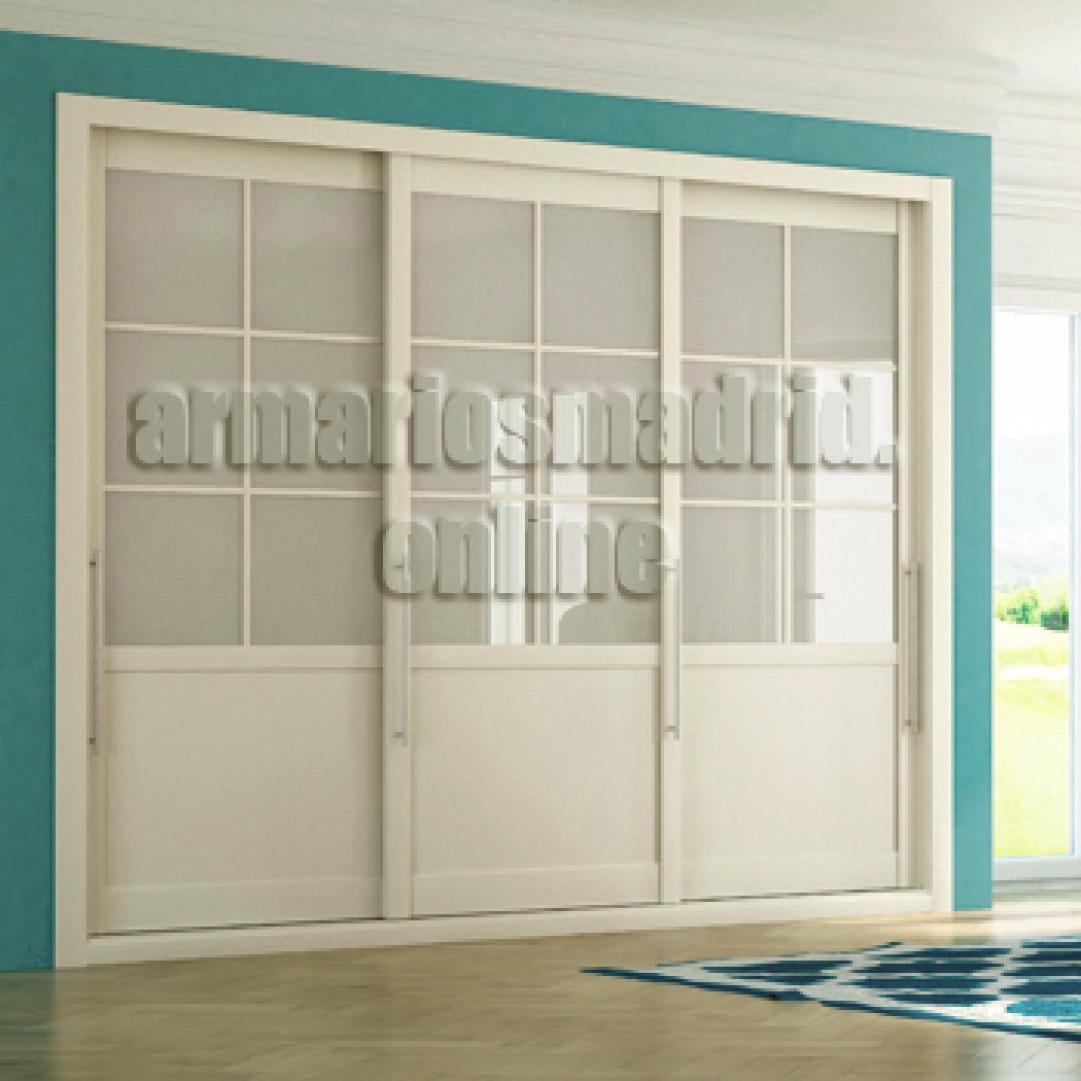 Armario de puertas correderas, lacdo en blanco