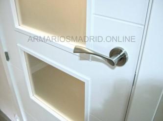 Puerta lacada en blanco modelo mapi vidriera de tres cristales