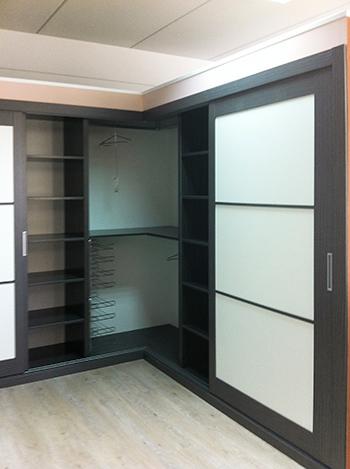armario empotrado a medida en esquina de puertas correderas with armarios empotrados online