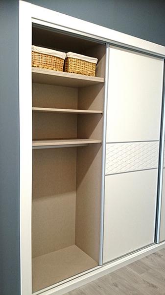 Interiores de armarios empotrados a medida armarios madrid - Accesorios para armarios roperos ...