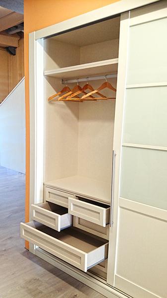 Interiores de armarios empotrados a medida armarios madrid - Cajonera armario empotrado ...