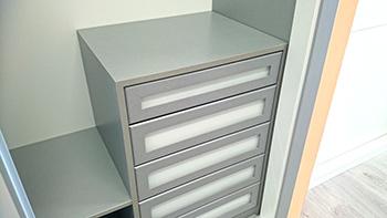 Interiores de armarios empotrados a medida armarios madrid - Cajoneras para armarios baratas ...
