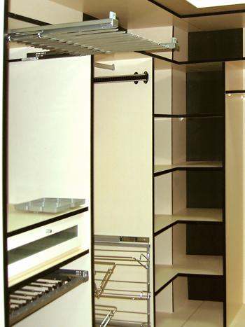armario vestidor a medida esquinero en u en melamina blanco y negro
