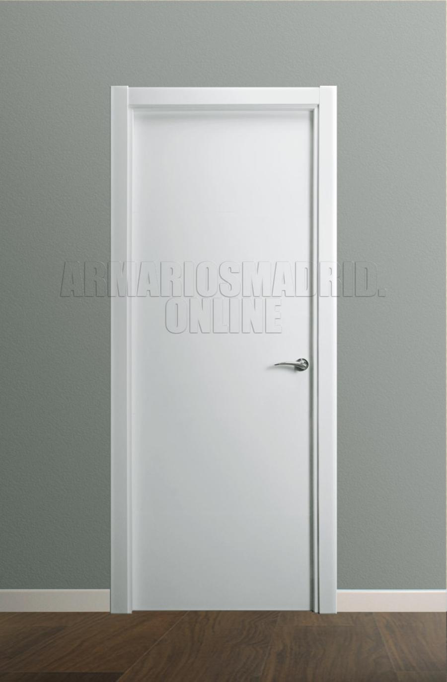 Puerta Modelo liso lacado en blanco