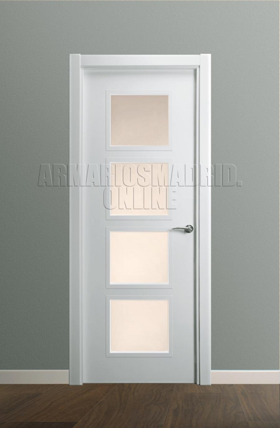 Puerta Modelo liso lacada vidriera V4