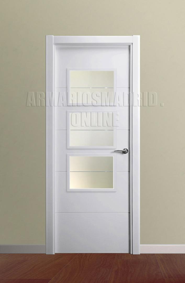 Puerta lacada blanco instalada mapi mara 229 u - Puertas blancas con rayas ...