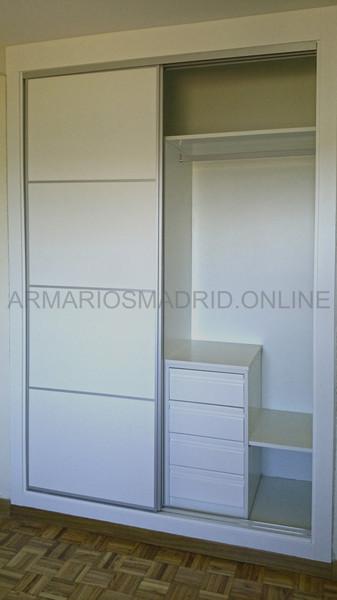 Hacer un armario a medida simple diseo de armarios - Montar puertas correderas ...