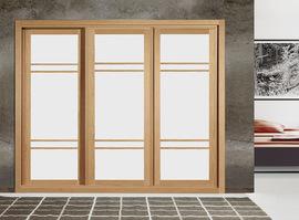 Armario empotrado, en blanco con cerco y brras en cerezo, de puertas correderas