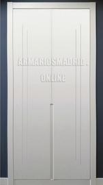 Armario lacado en blanco, tirador fresado y embutido, modelo 2.0, puertas abatibles