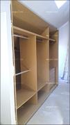 Interior de armario en buhardilla