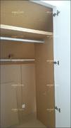 Interior de armario con doble fondo