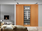 Frente de armario corredera, a medida,  perfilería sport melamina cerezo, puertas melamina cerezo/ cristal laminar mate rayas transparentes.