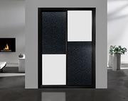 Armario empotrado corredera a medida, perfilería sport negro, puerta textil damasco/melamina blanca con decoracion japonesa negra.