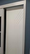 Frente de armario a medida de puertas correderas, perfilería sport blanco, puerta lacada blanca fresado remos.