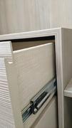 Detalle de cajón de guías de extraccion total en armario ropero