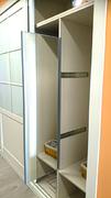 Espejo extraible lateral, en interior de armario empotrado