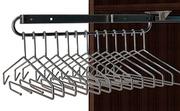 Organizador de armario, pantalonero de barra extraible.