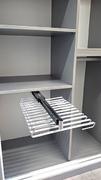 Organizador de armario, ejemplo pantalonero extraible.